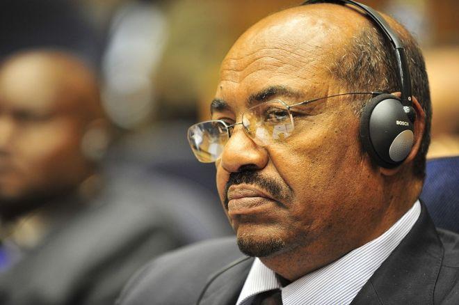 1024px-Omar_al-Bashir,_12th_AU_Summit,_090131-N-0506A-342